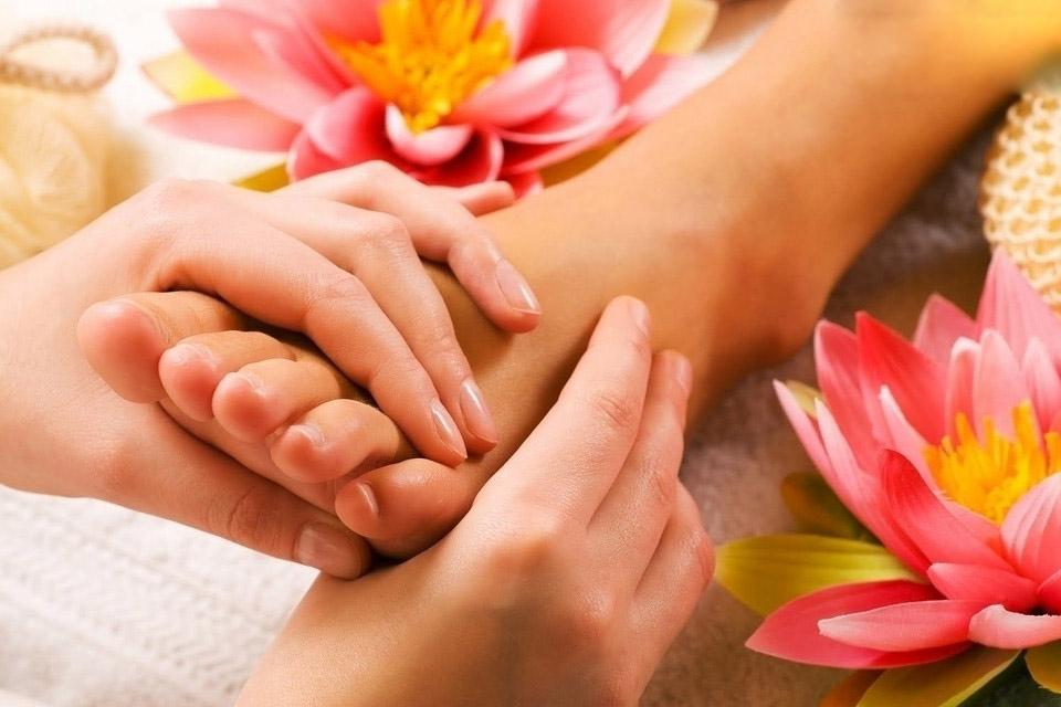 obzor stopy massazh